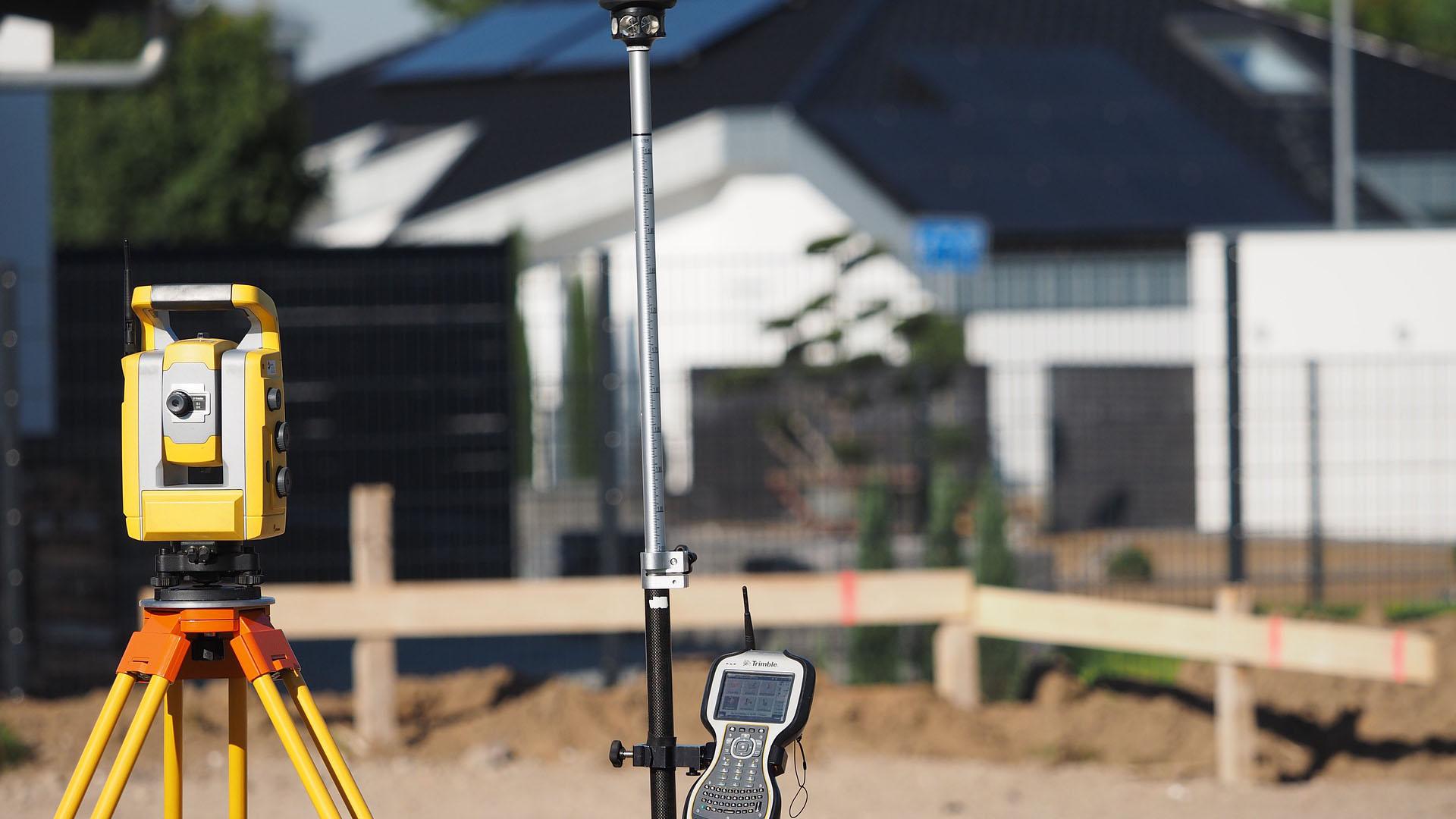 surveying-4204840_1920